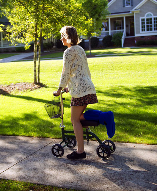 Best Steerable Knee Scooter for 2016 - 2017